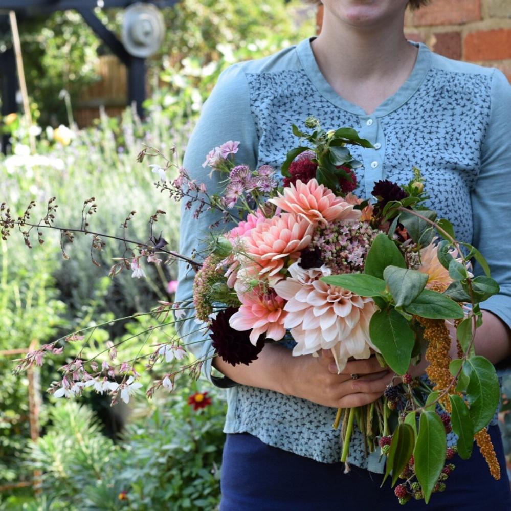 DIy Wedding Flowers, DIY Bridal Bouquet, British Wedding Flowers, Seasonal Wedding Flowers, DIY Buckets of Flowers