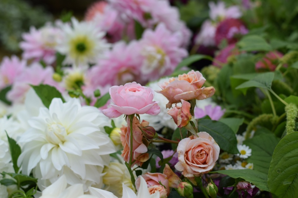 British Wedding Flowers, all packed for Bride Sophie's Bedfordshire Wedding