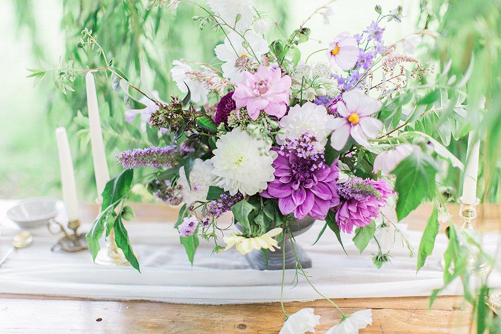100% British 100% Swan Cottage Floral Table Centre Piece