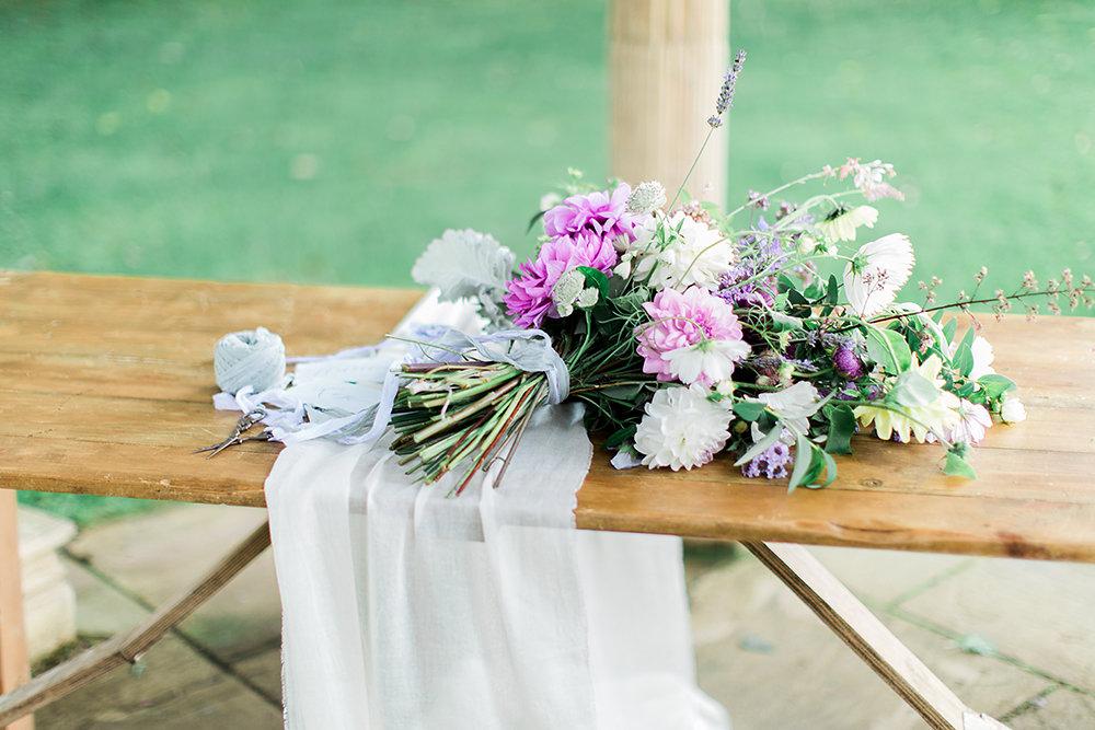 A styled Shoot, British Wedding Flowers ready to arrange, 100% British 100% Swan Cottage Flowers
