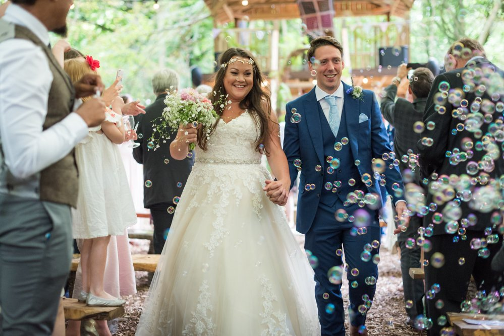 Real DIY Weddings, beautiful Bride Kelly with her Groom and Bubbles!