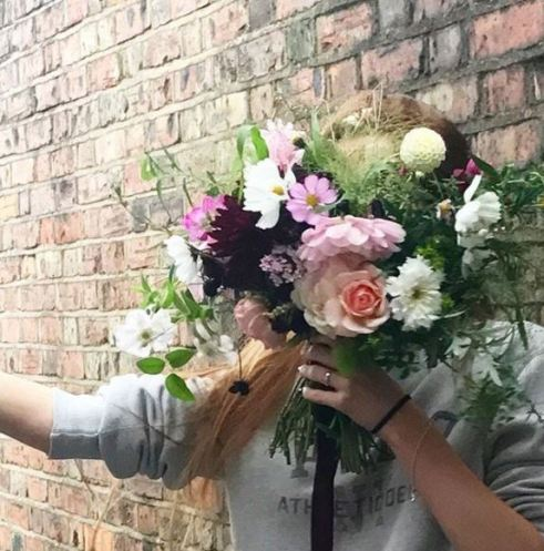 Freelance Florist Suns and Roses designing exclusively with Swan Cottage British Flowers