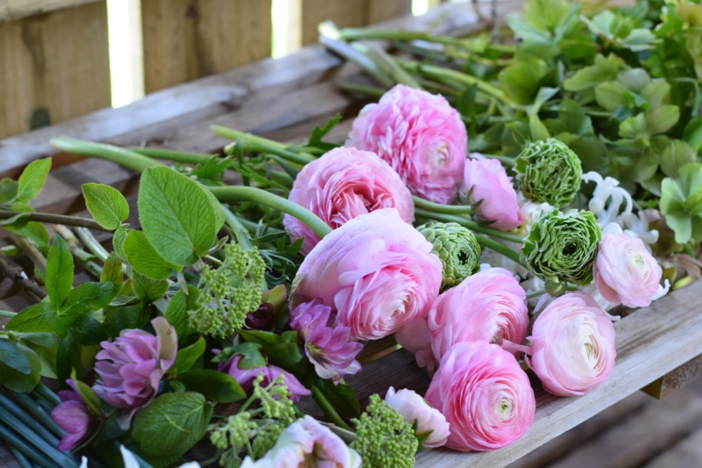 Seasonal Garden Bouquet making, Swan Cottage Flowers