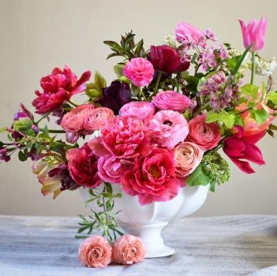Swan Cottage Artisan Flowers, Fresh Seasonal British Flower Table Arrangement